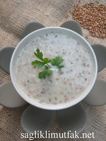 karabuğdaylı yoğurt çorbası